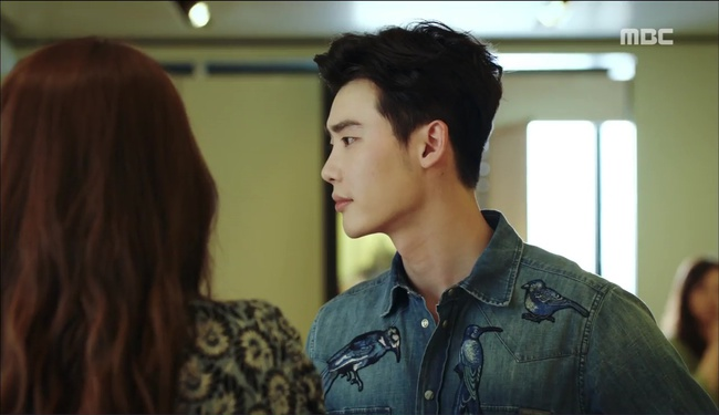 """""""W"""" tập 2: Han Hyo Joo vừa tát vừa hôn Lee Jong Suk - Ảnh 2."""
