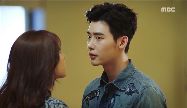 """""""W"""" tập 2: Han Hyo Joo vừa tát vừa hôn Lee Jong Suk - Ảnh 4."""