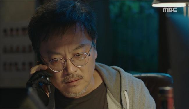 """""""W"""" tập 2: Han Hyo Joo vừa tát vừa hôn Lee Jong Suk - Ảnh 10."""