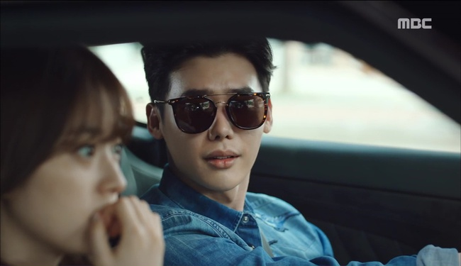 """""""W"""" tập 2: Han Hyo Joo vừa tát vừa hôn Lee Jong Suk - Ảnh 18."""