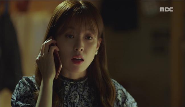 """""""W"""" tập 2: Han Hyo Joo vừa tát vừa hôn Lee Jong Suk - Ảnh 22."""
