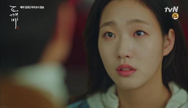 Goblin: Fan lo lắng cái kết đau lòng sẽ đến với cặp đôi Gong Yoo - Go Eun - Ảnh 16.