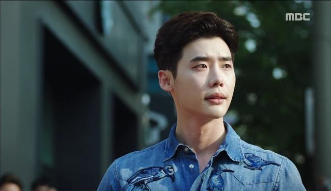 """""""W"""" tập 2: Han Hyo Joo vừa tát vừa hôn Lee Jong Suk - Ảnh 25."""