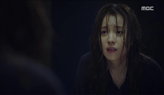 """""""W"""": Triệu hồi Conan phá án, bắt tên sát thủ áo đen muốn diệt Lee Jong Suk! - Ảnh 28."""
