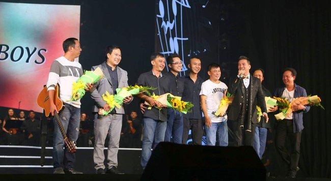 Khán giả xúc động khi trở lại thời Làn sóng xanh trong liveshow nhạc sĩ Việt Anh - Ảnh 7.