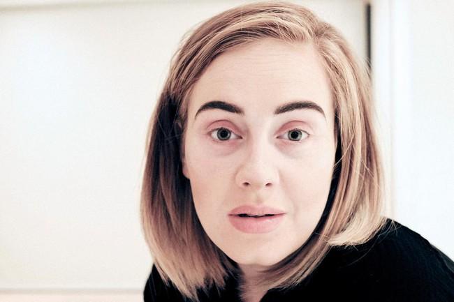 Adele trông như người lạ khi thiếu đi đường kẻ mắt trứ danh - Ảnh 1.