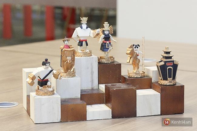 Cận cảnh bàn cờ vua in 3D độc nhất Việt Nam với tạo hình Thánh Gióng, Yết Kiêu, Âu Cơ... - Ảnh 2.