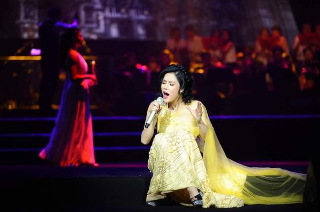 Khán giả xúc động khi trở lại thời Làn sóng xanh trong liveshow nhạc sĩ Việt Anh - Ảnh 3.