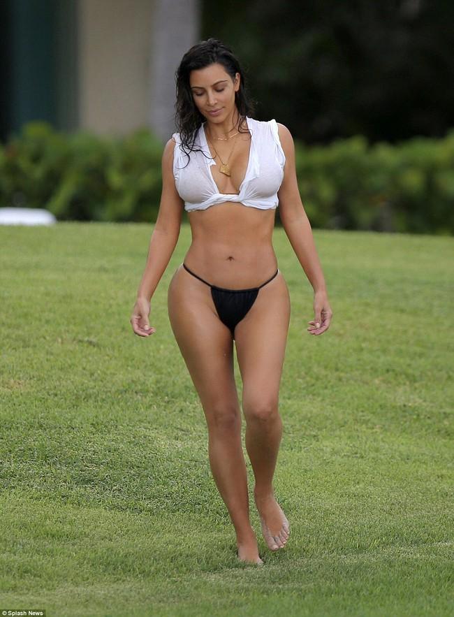 Bỏng mắt với thời trang bikini của ba chị em Kim, Kylie và Kendall - Ảnh 3.