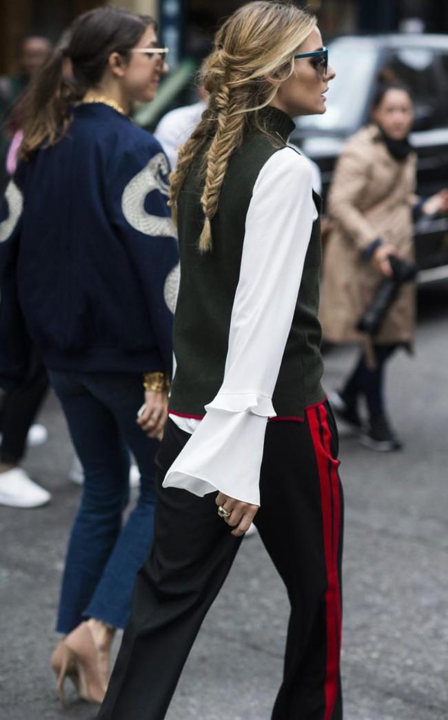 Chiếc quần Zara này đang được các fashionista thế giới thi nhau diện và nó có bán tại store Zara Việt Nam - Ảnh 2.