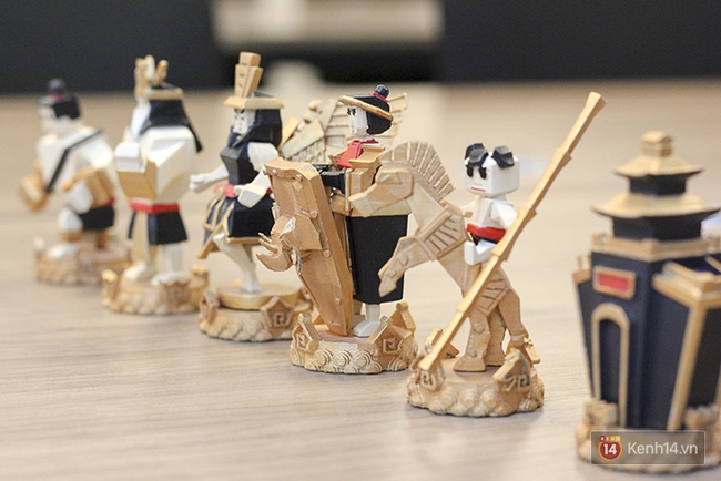 Cận cảnh bàn cờ vua in 3D độc nhất Việt Nam với tạo hình Thánh Gióng, Yết Kiêu, Âu Cơ... - Ảnh 3.