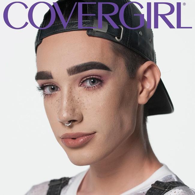 Chẳng phải cô gái nào, chàng trai 17 tuổi này mới là người được CoverGirl chọn làm gương mặt đại diện mỹ phẩm - Ảnh 2.