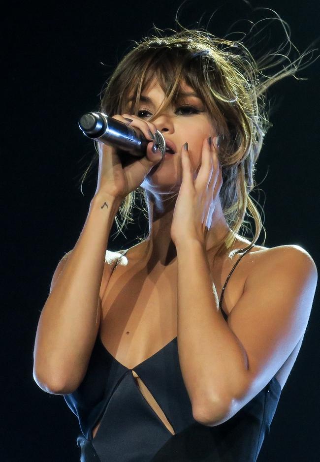Hành trình nhan sắc thất thường của Selena: Khi thì béo ú, lúc lại đẹp khó cưỡng - Ảnh 36.