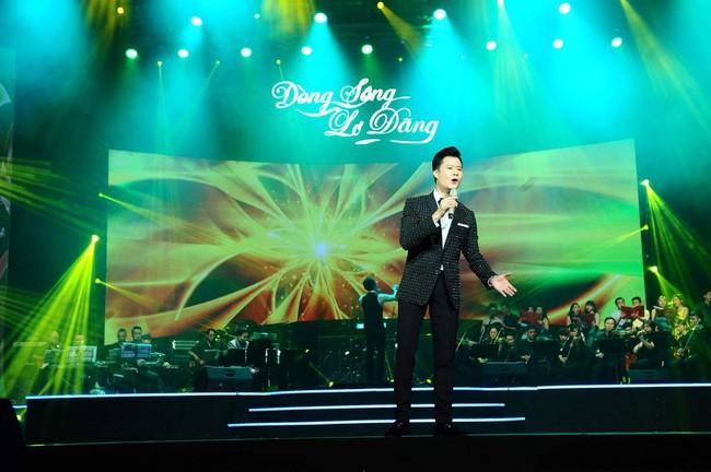 Khán giả xúc động khi trở lại thời Làn sóng xanh trong liveshow nhạc sĩ Việt Anh - Ảnh 11.