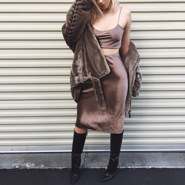 Kylie Jenner phá đảo kỷ lục diện đồ rẻ của sao thế giới khi diện áo chưa đến 100.000 VNĐ - Ảnh 2.