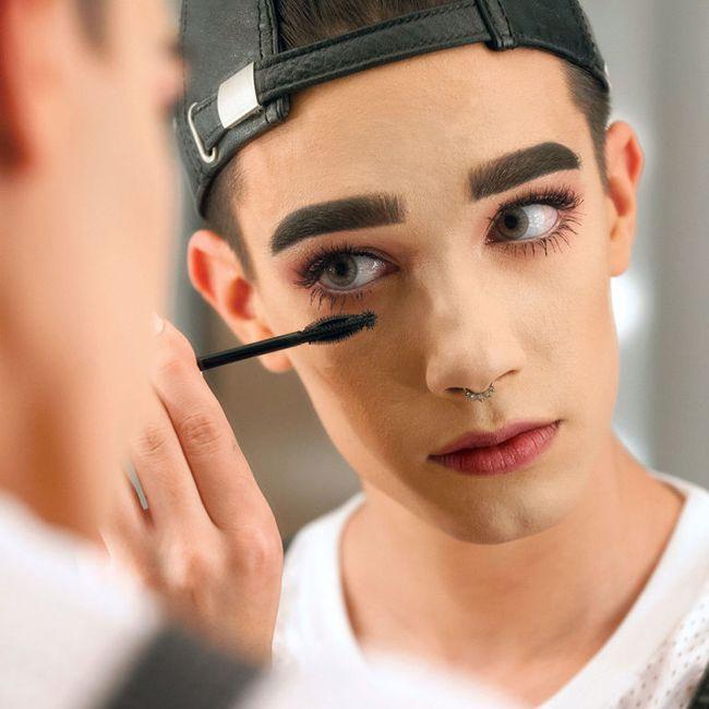 Chẳng phải cô gái nào, chàng trai 17 tuổi này mới là người được CoverGirl chọn làm gương mặt đại diện mỹ phẩm - Ảnh 3.