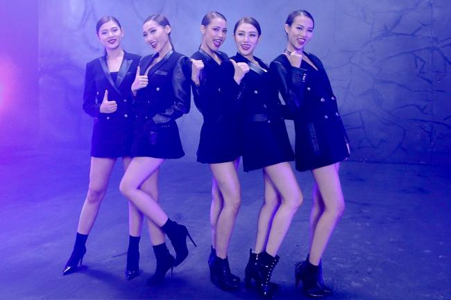 Hồ Ngọc Hà diện mốt không nội y, quyến rũ cùng các học trò The Face trong MV - Ảnh 20.
