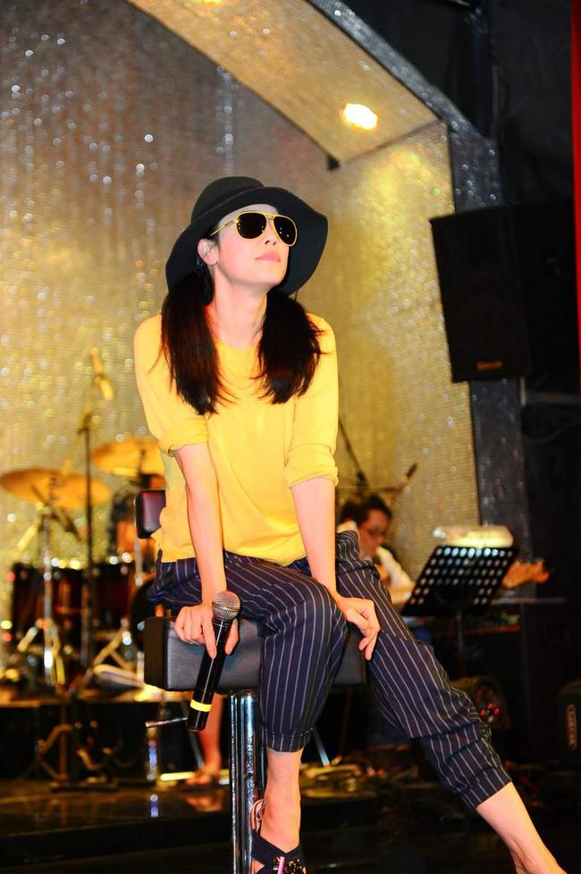 Thu Phương bật khóc trong buổi tập duyệt liveshow của tri kỉ âm nhạc - Ảnh 2.