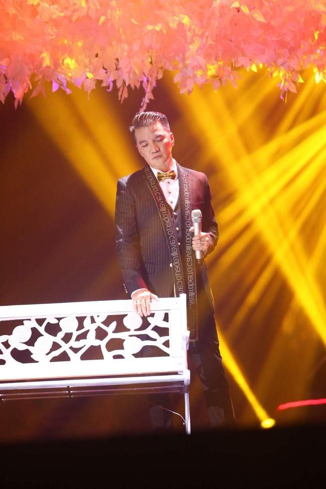 Khán giả xúc động khi trở lại thời Làn sóng xanh trong liveshow nhạc sĩ Việt Anh - Ảnh 8.