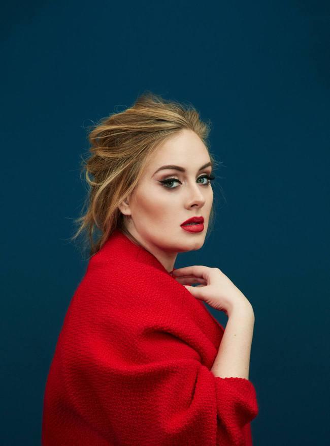 Adele trông như người lạ khi thiếu đi đường kẻ mắt trứ danh - Ảnh 7.