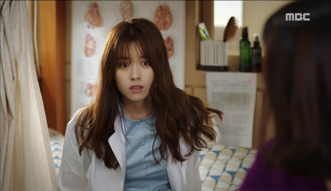 """""""W"""": Từ cuộc đời vạn người mê, Lee Jong Suk và Han Hyo Joo giờ đây không khác gì ăn mày - Ảnh 7."""