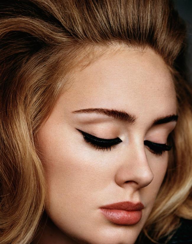 Adele trông như người lạ khi thiếu đi đường kẻ mắt trứ danh - Ảnh 8.