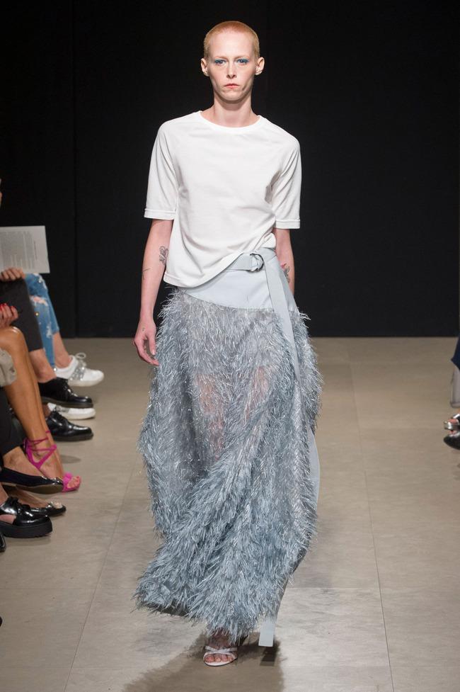Đỗ Hà sải bước trong show diễn mở màn Tuần lễ thời trang Milan - Ảnh 8.