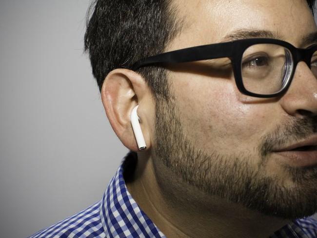 Khi tai nghe không dây AirPods giá hơn 3 triệu bị mất thì phải làm thế nào? - Ảnh 1.