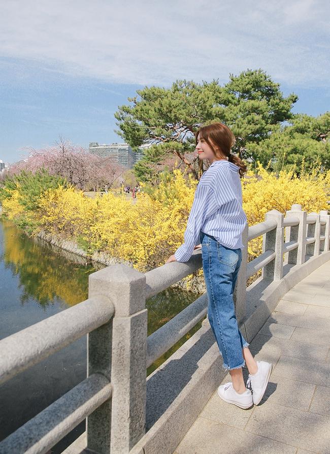 6 cách làm mới quần jeans đảm bảo chất từ các fashion blogger mà bạn nên học hỏi - Ảnh 2.
