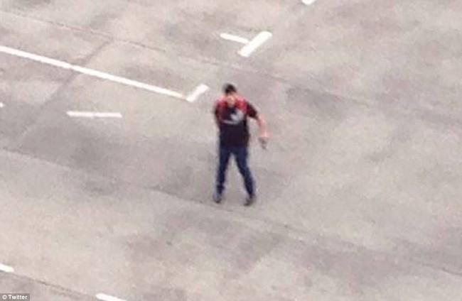 Đức: Xả súng tại trung tâm thương mại thành phố Munich, ít nhất 6 người chết - Ảnh 2.