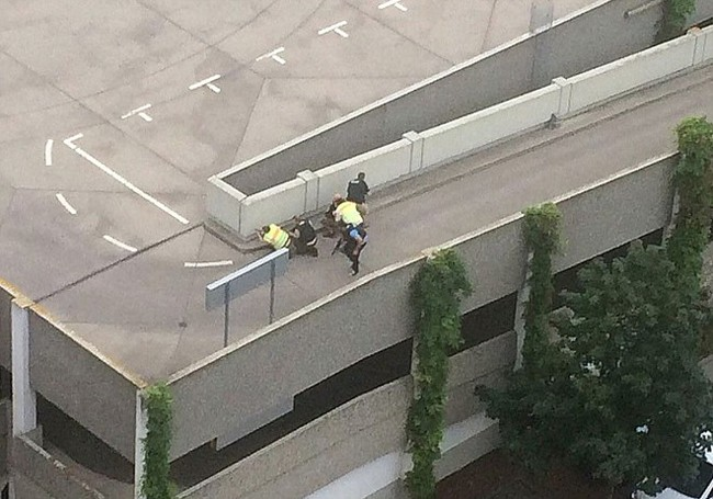 Đức: Xả súng tại trung tâm thương mại thành phố Munich, ít nhất 6 người chết - Ảnh 8.