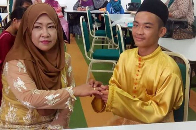 Trai tân 18 tuổi khiến nhiều người bị sốc khi kết hôn với bà mẹ 5 con 42 tuổi - Ảnh 1.