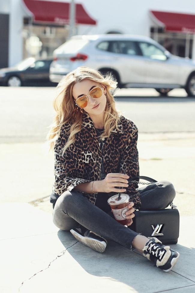 Ngắm street style giới trẻ thế giới, bạn sẽ thấy mặc chất chẳng bắt buộc phải cầu kỳ - Ảnh 11.