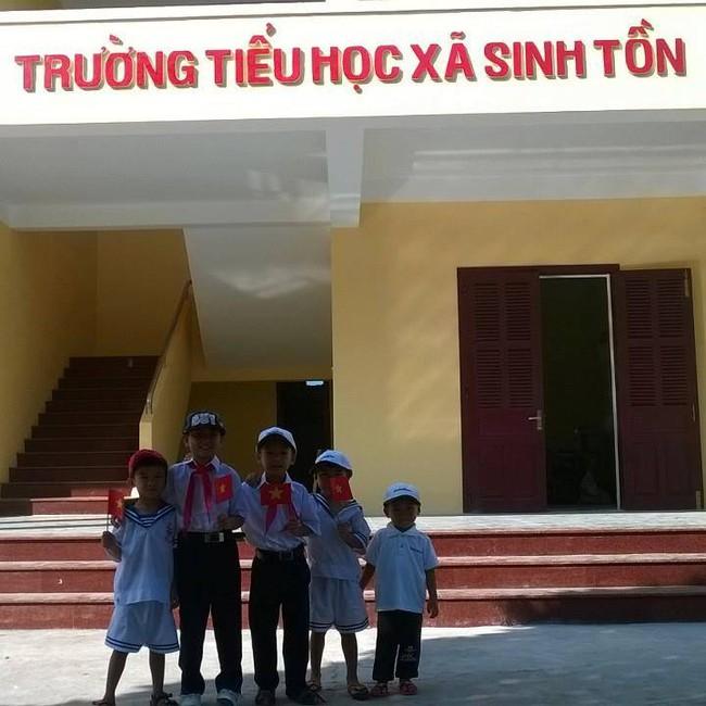 Thầy giáo trẻ ra khơi vượt biển, chấp nhận yêu xa để gieo chữ cho trẻ em nghèo biển đảo - Ảnh 5.