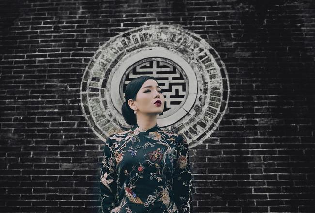 Lệ Quyên hoá gái Huế dịu dàng trong album nhạc Lam Phương - Ảnh 3.