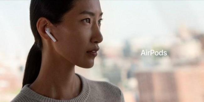 Sợ tốn tiền mua lại tai nghe AirPods, thanh niên này đã nghĩ ra cách chống mất không thể bựa hơn - Ảnh 1.