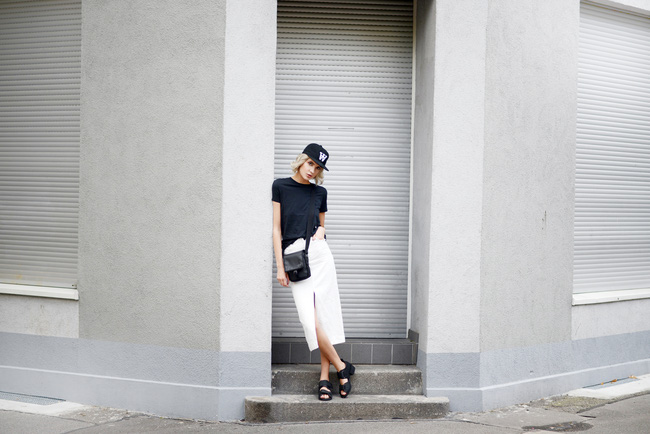 Giới trẻ thế giới cùng kết nổ đĩa mũ lưỡi trai trong street style tuần qua - Ảnh 10.