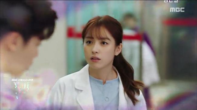 W - Two Worlds: Tự tử quá nhiều, Lee Jong Suk quên mất cả vợ Hyo Joo? - Ảnh 13.