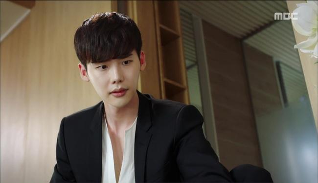 """""""W"""": Từ cuộc đời vạn người mê, Lee Jong Suk và Han Hyo Joo giờ đây không khác gì ăn mày - Ảnh 12."""