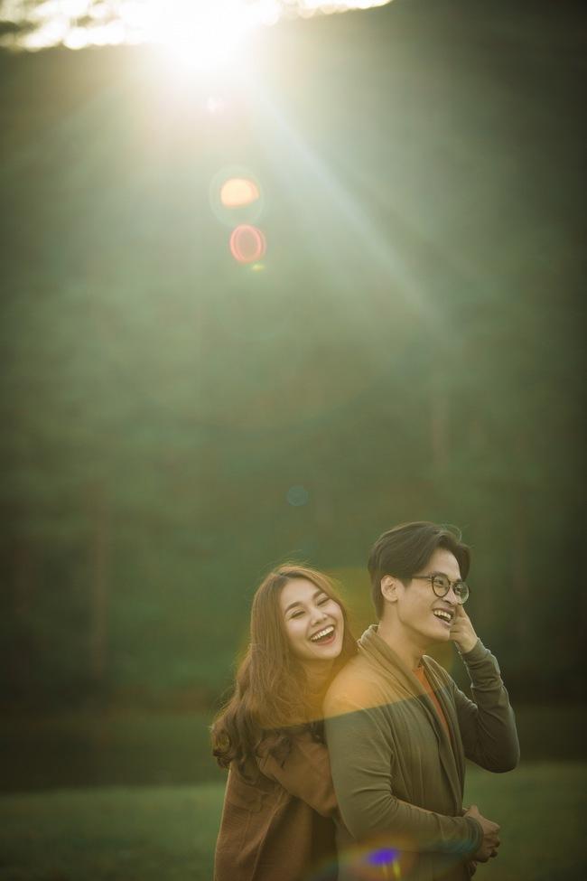 Hà Anh Tuấn và Thanh Hằng hôn nhau đầy tình cảm trong MV - Ảnh 4.