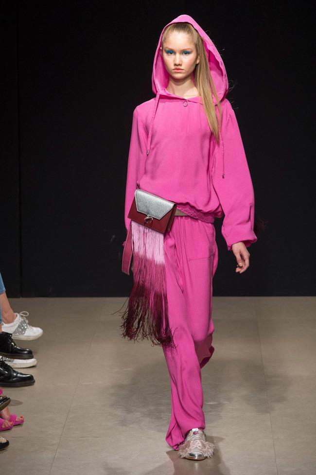Đỗ Hà sải bước trong show diễn mở màn Tuần lễ thời trang Milan - Ảnh 10.