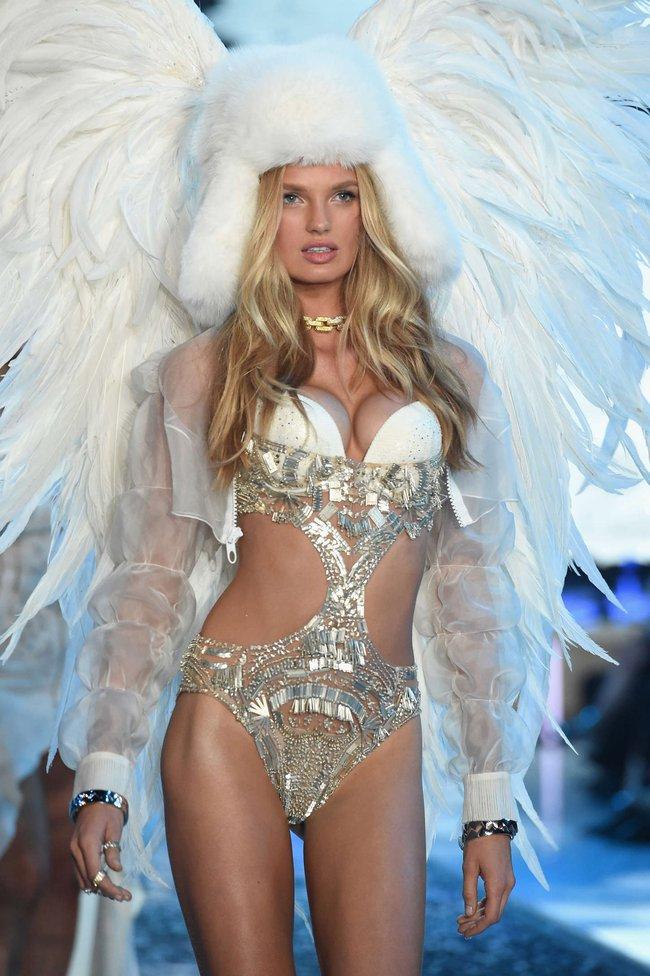 Điểm mặt chỉ tên cả thảy 54 chân dài sẽ sải bước tại Victorias Secret Fashion Show sắp tới - Ảnh 9.