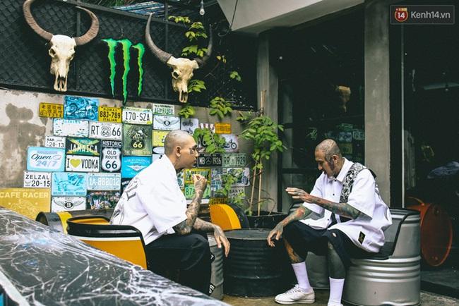 Bên trong khu phức hợp đậm phong cách Chicano của những chàng barber chất chơi ở Sài Gòn - Ảnh 10.