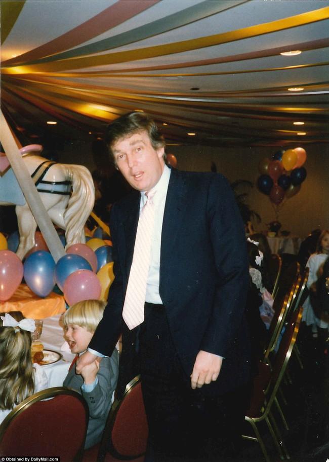 Donald Trump từng thay tã cho con, một hình ảnh hoàn toàn khác về tân Tổng thống Mỹ - Ảnh 17.