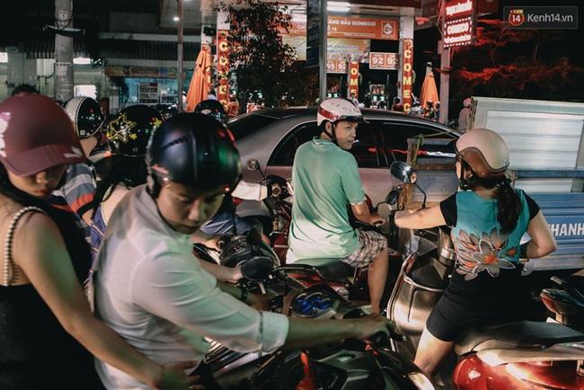 Phát điên, ngộp thở vì cảnh giờ nào cũng kẹt xe, chỗ nào cũng kẹt xe ở Sài Gòn - Ảnh 10.