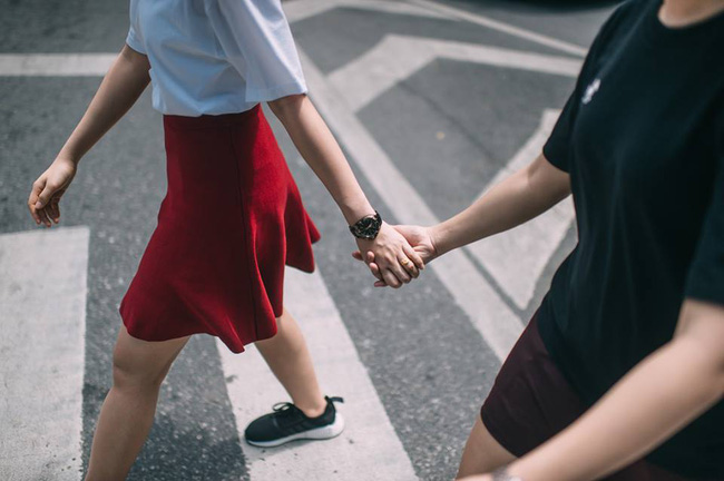 Bộ ảnh tình yêu của hai cô gái Thái Lan sẽ khiến bạn tan chảy vì quá dễ thương! - Ảnh 2.