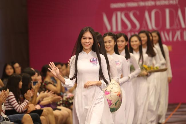 20 nữ sinh xinh đẹp này sẽ tranh tài trở thành Miss Áo Dài Nữ Sinh VN 2016 - Ảnh 11.