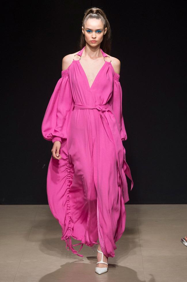 Đỗ Hà sải bước trong show diễn mở màn Tuần lễ thời trang Milan - Ảnh 11.