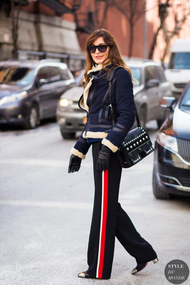 Chiếc quần Zara này đang được các fashionista thế giới thi nhau diện và nó có bán tại store Zara Việt Nam - Ảnh 11.