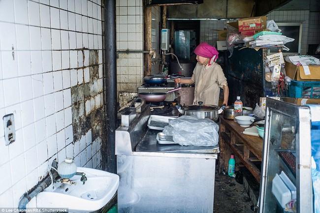 Chùm ảnh cho thấy tinh thần làm việc đáng khâm phục của người cao tuổi Nhật Bản - Ảnh 13.